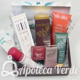 Cesta regalo de productos faciales y corporales de Caudalie