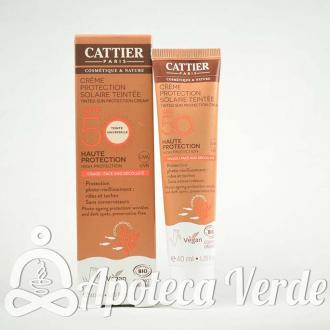 Cattier Crema Protección Solar con Color SPF50 Cara Escote